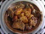 Запеченное мясо с картофелем: блюдо готово, можно подавать на стол